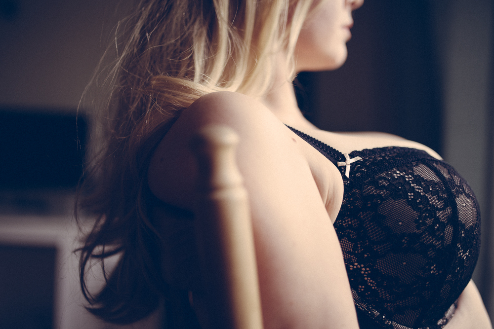 Creative Artistic Boudoir Photography London Curvy (38 of 42).jpg