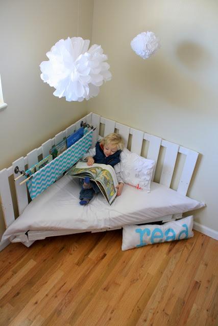 sillón de lectura con pallets