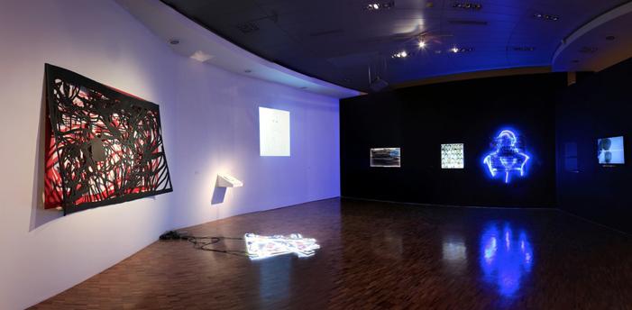 FOTO VÍA MUSEO DE ARTE CONTEMPORÁNEO. EXPOSICIÓN: ZONA DE RIESGO. CARLOS AGUIRRE