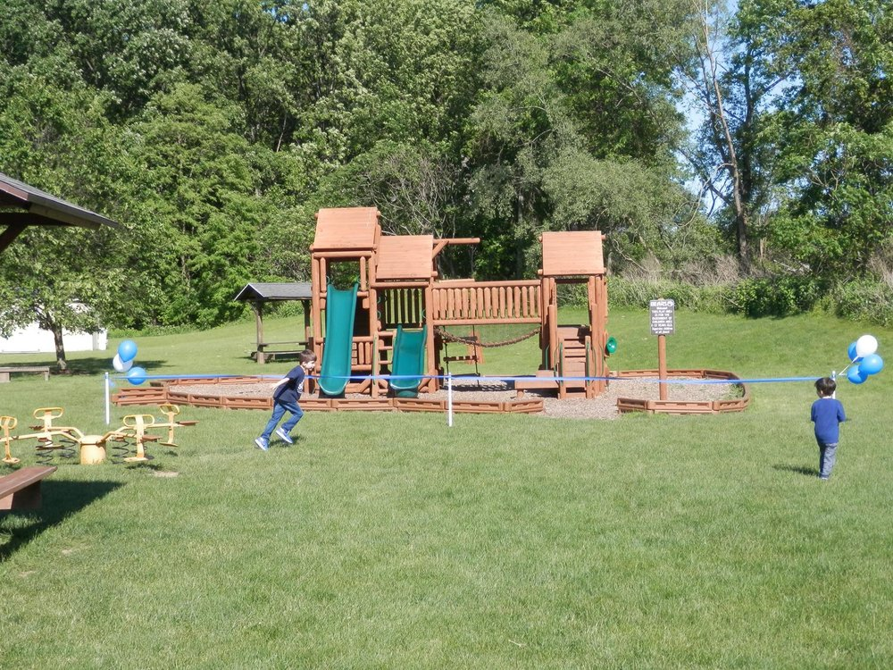 new swing set one.jpg
