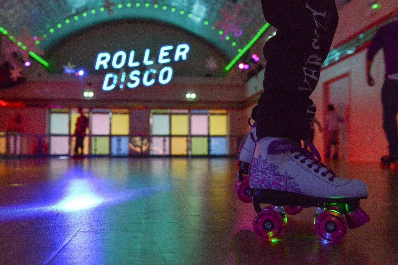 Roller skating rink rohnert park - Neon Skate Night