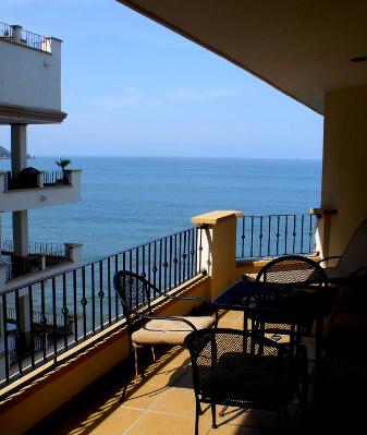 - Almost all the owners of this oceanfront complex are American or Canadian.
