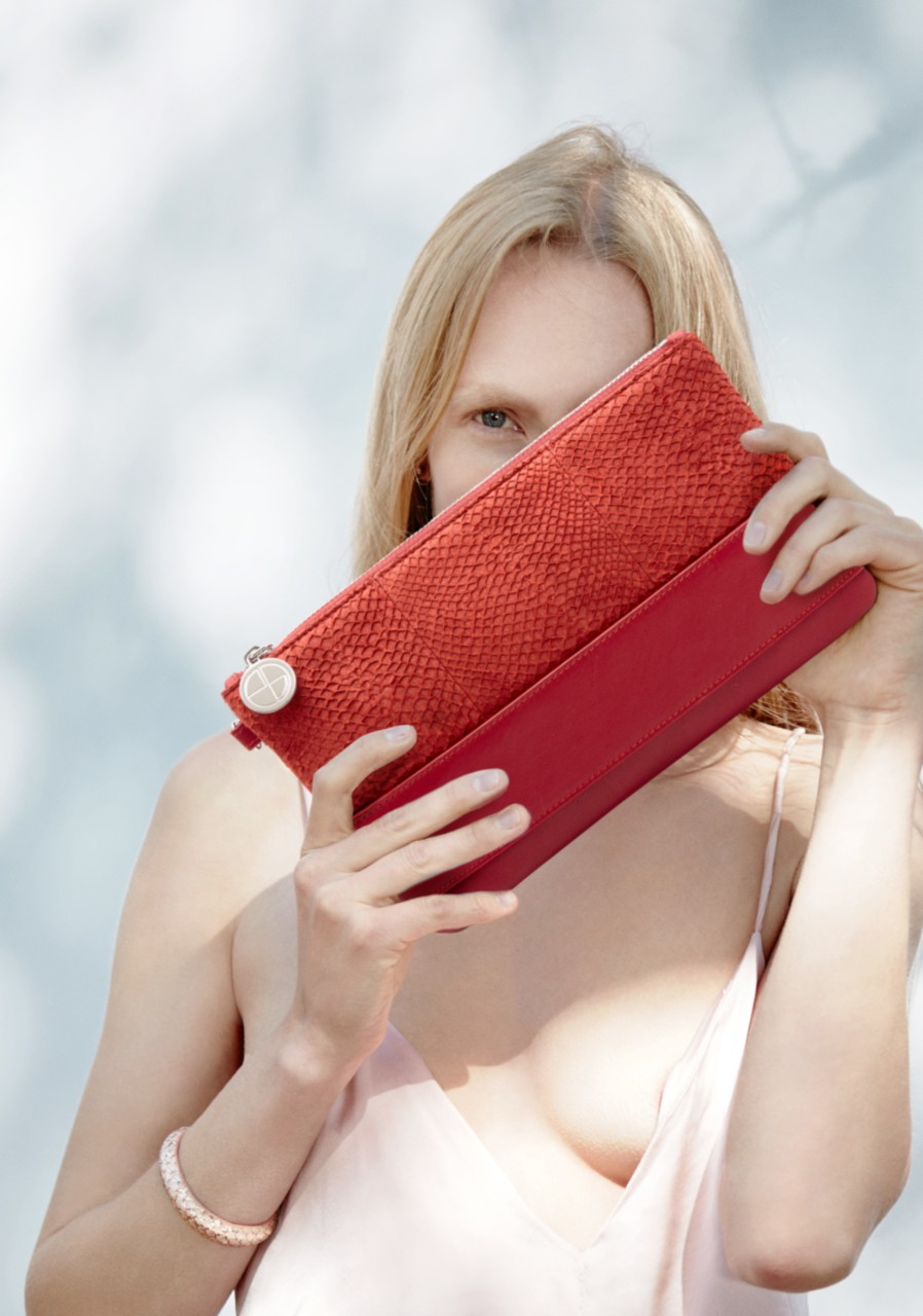 jenny-sinkaberg-studio-ebn-red-clutch-green-house.jpg