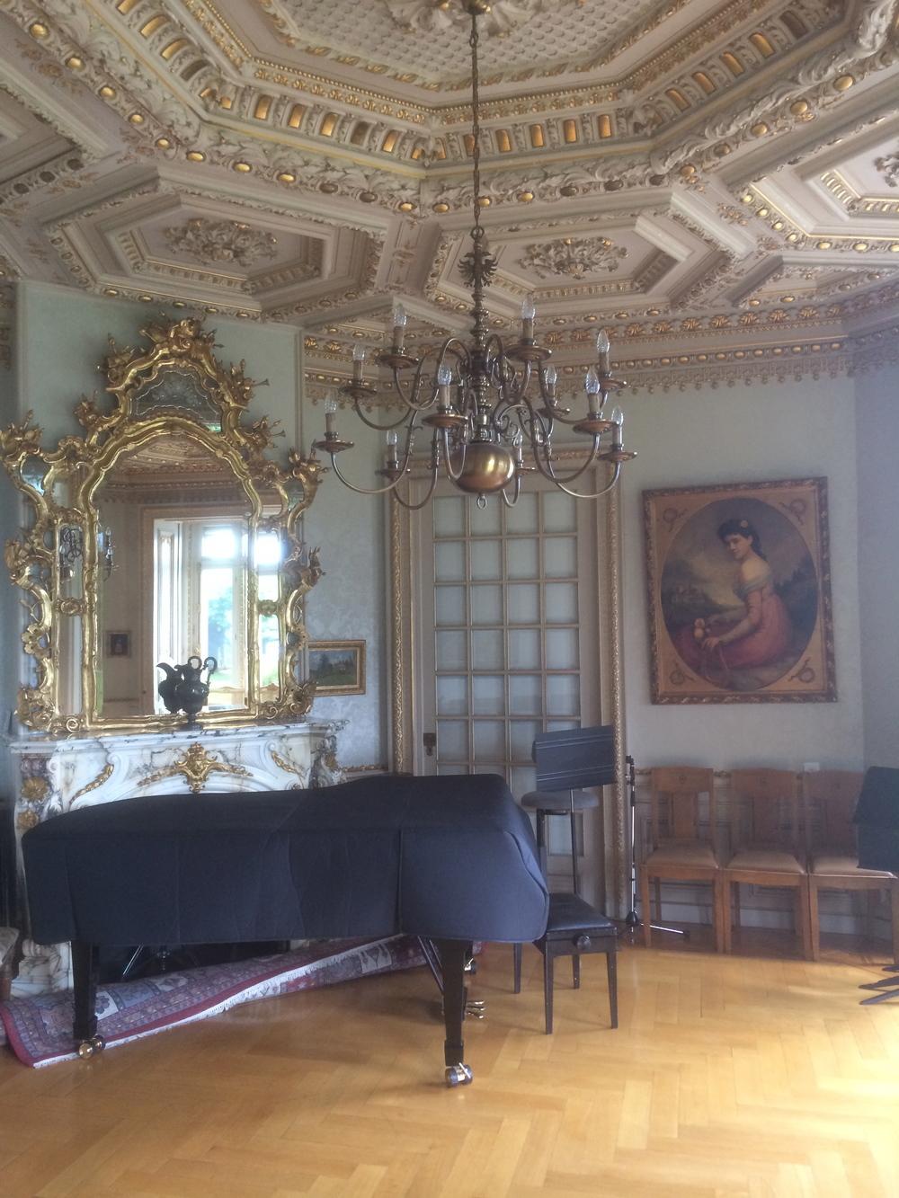 琉森音樂學院的琴房