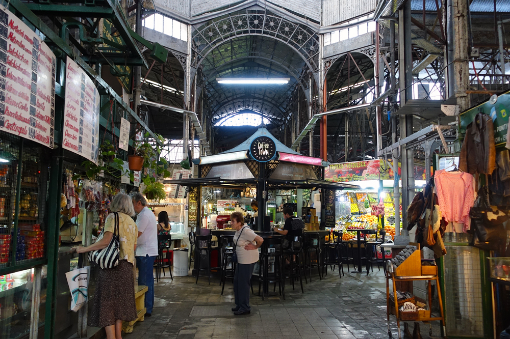 San Telmo's market is very busy.
