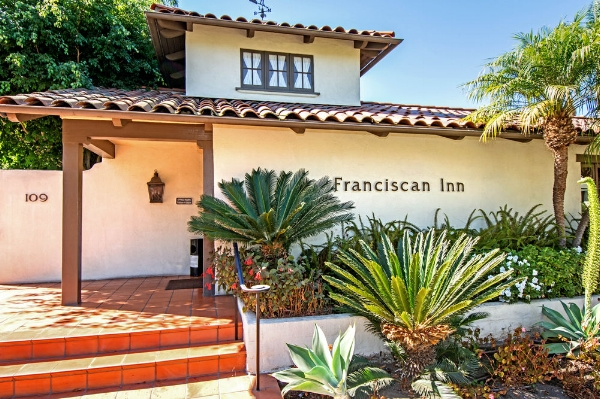 Franciscan Inn - This stylish 53-room Spanish-Mediterranean hideaway boasts old world charm with contemporary amenities and is located within a few minute walk from conference center.Year round heated pool, Whirlpool, Bakery Fresh Breakfast and daily afternoon reception. No pets.Reservations:  805-963-8845109 Bath Street,Santa Barbara,