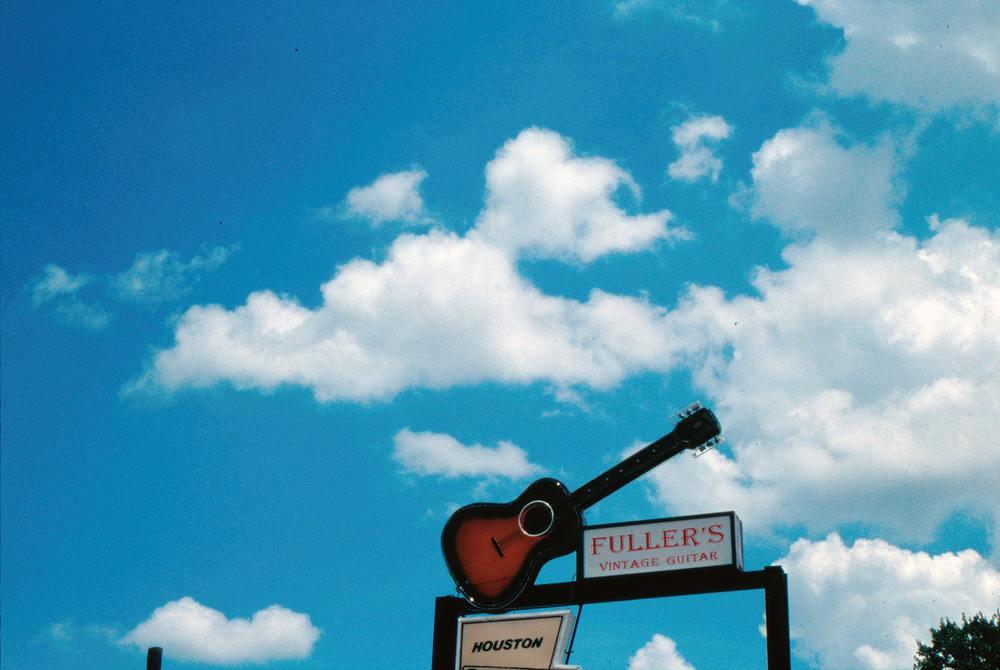 Fuller's Vintage Guitar, 2002