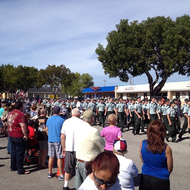 @ a veterans parade today.. Thank you to all the armed forces that serve our country! (at Chicago Pizza)