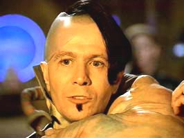 Gary oldman in #thefifthelement bears a striking resemblance to soli of @familyforce5 or am I tripping on Christmas cookies?