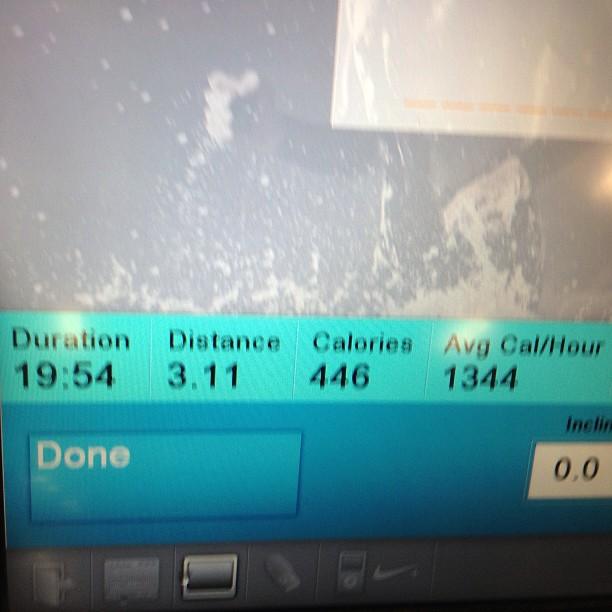 Under 20min on my 5k treadmill run today! sponsor me @ www.grouprev.com/kj52 top 3 sponsors win Nike gear! (at Around The Clock Fitness)