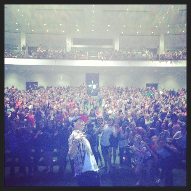 I find when u do an event w/ 3k girls.. Duckface is the only appropriate face move. (at Victory Church)