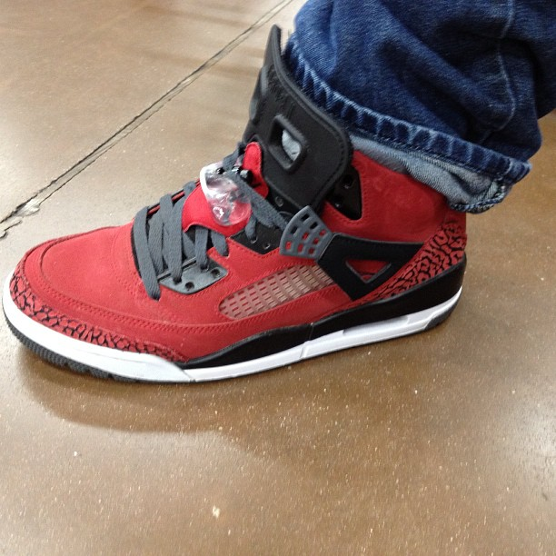 I never do this.. But I just stopped a random stranger on some sneaker head junk.. Had to take a pic… Now it's killing me trying to figure out where he got em. (at Wal-Mart Neighborhood Market)