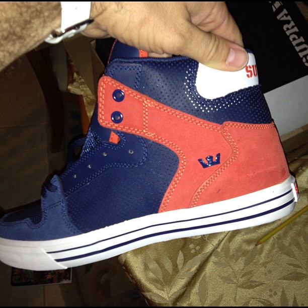 Some of y'all asked me where I got these.. ($40) click here: http://thrl.st/yJkJdU
