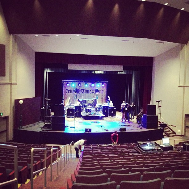 Free show tonight in Boaz AL. ! (www.keepitloudtour.com for details) (at Bevill Center Concert Hall (Snead State))