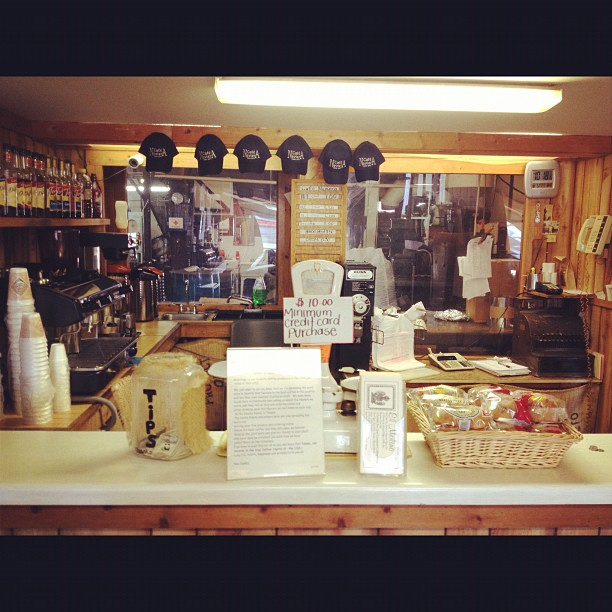 If you're ever in Tampa hit up the el Molino coffee co. café Ybor hands-down best coffee in Florida (Taken with Instagram at El Molino Coffee Store And Factory)