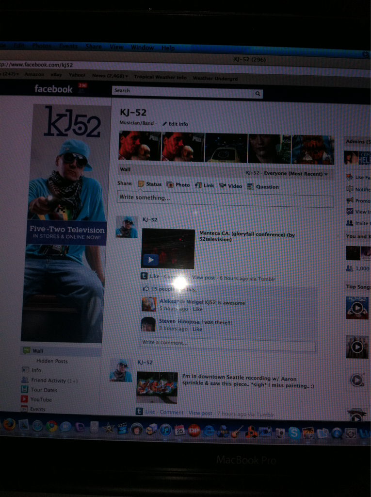Anyone wanna Facebook chat w/ Tweezy? I go live in 1 minute ;) www.Facebook.com/kj52 see u there!