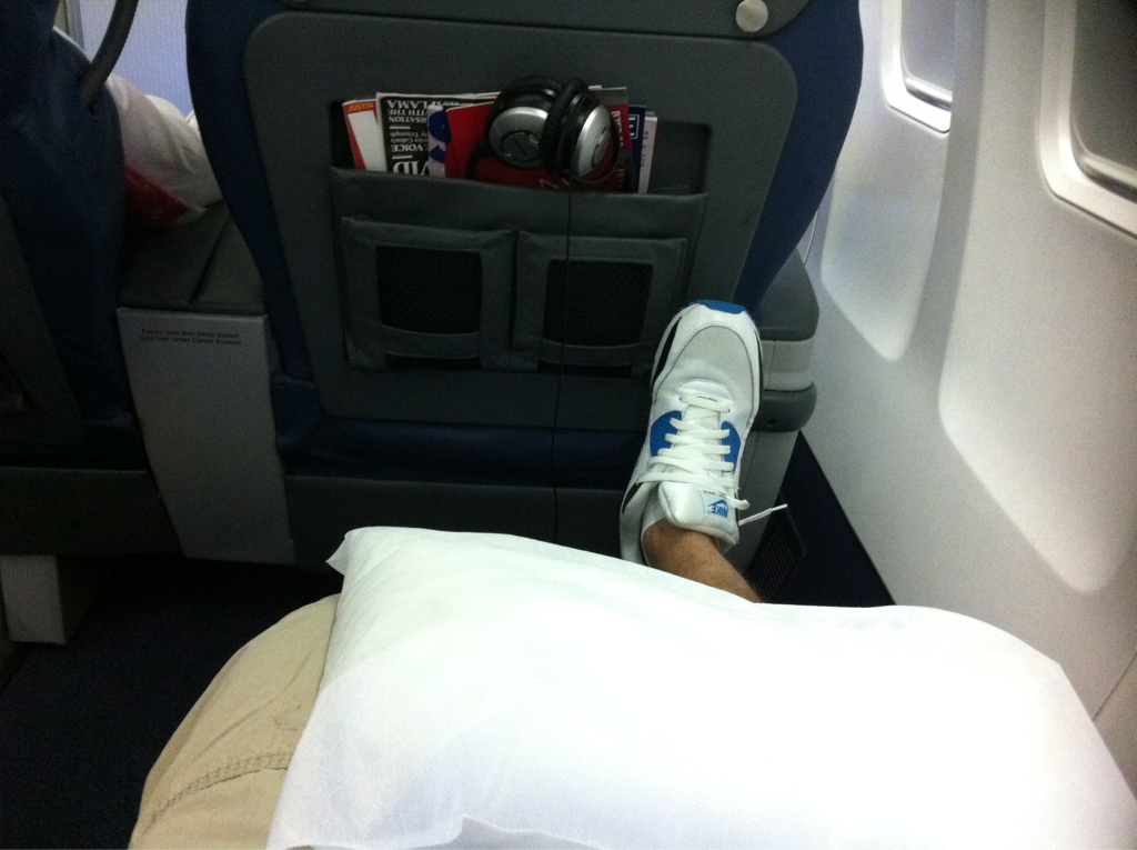 I have so much legroom right now in 1st class I'm gonna build a pillow fort and freak out the guy sitting next to me..
