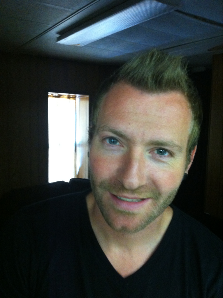 Seeing Trevor mcnevan of @officialtfk made me think he could fill in as chris martin of coldplay's stunt/body double.