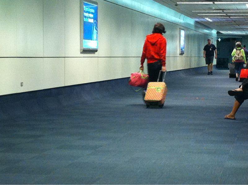 Ladies don't make ur man's carry bags like this.. It's abusive ha ha…