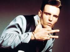 """For all asking if we had the baby yet it's a no.. However here is a pic of vanilla ice throwing up the """"v"""". Ur welcome."""