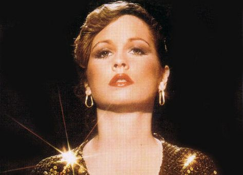 Teena Marie went home 2B w/ the Lord yesterday @ 54. She showed me that u can do black music and still be urself. RIP lady T, u were a true artist!