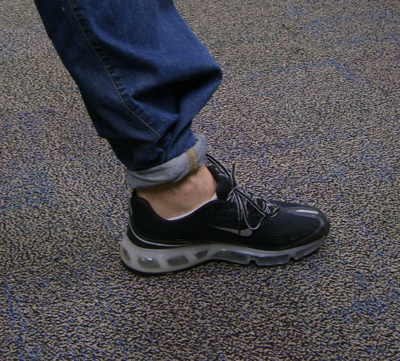 Saw a 15 year old in the mall w/ tight rolled jeans & reebok classics.. Did I time warp to 1988?