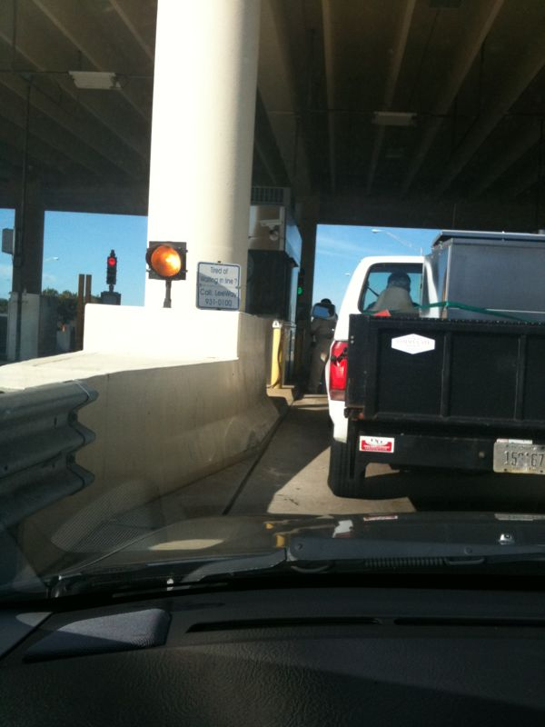 This guy got out his car and walked up to pay his toll like it's a walk up food spot.. Gotta love Florida drivers.