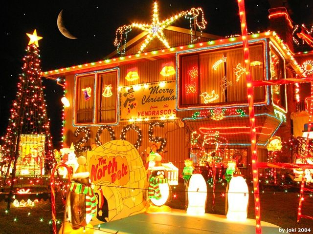 If your Christmas lights are still up by mid-Jan by law 7th graders can/should/try to egg ur house..