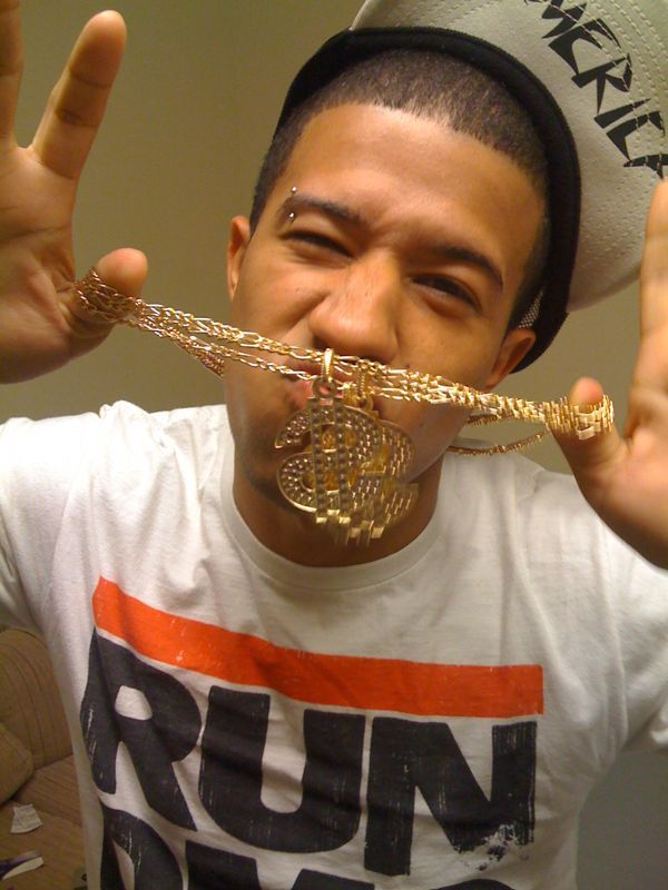 Should Dj x wear the dookie bling bling chains on stage tonight? Yes or no votes determine the outcome!