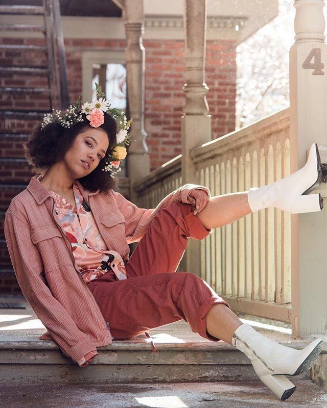 """Flowers grow out of dark moments"" - Corita Kent ============================== . Model: @k1llahh_ || Hair: @thlycat . . . . . #sonyimages #portraitvision #portraitsofficial #thefashionpr0ject #portrait_vision #igpodium_portraits #hvmansouls #theportraitpr0ject #creative_portraits #portraitkillers #gramkilla #xelfies #pr0ject_bnw  #portraitsnyc #portraitoftheday  #pursuitofportraits #2instagoodportraitlove #sonyportraits #of2humans #portraitsvisuals #expofilm #bleachmyfilm #globeshotz #collectivetrend #theuniversalart #globe_people #featurecreature #LaunchDsigns #imaginativeuniverse #portrait_like"