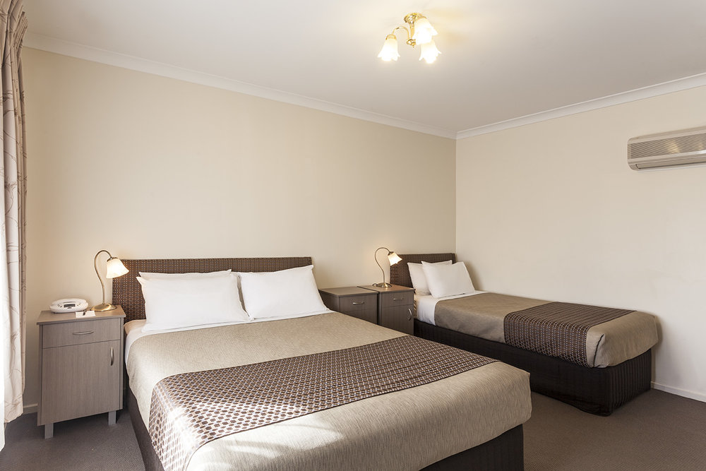 best-western-olde-maritime-warrnambool-hotel-motel-accommodation-standard-twin-room.jpg