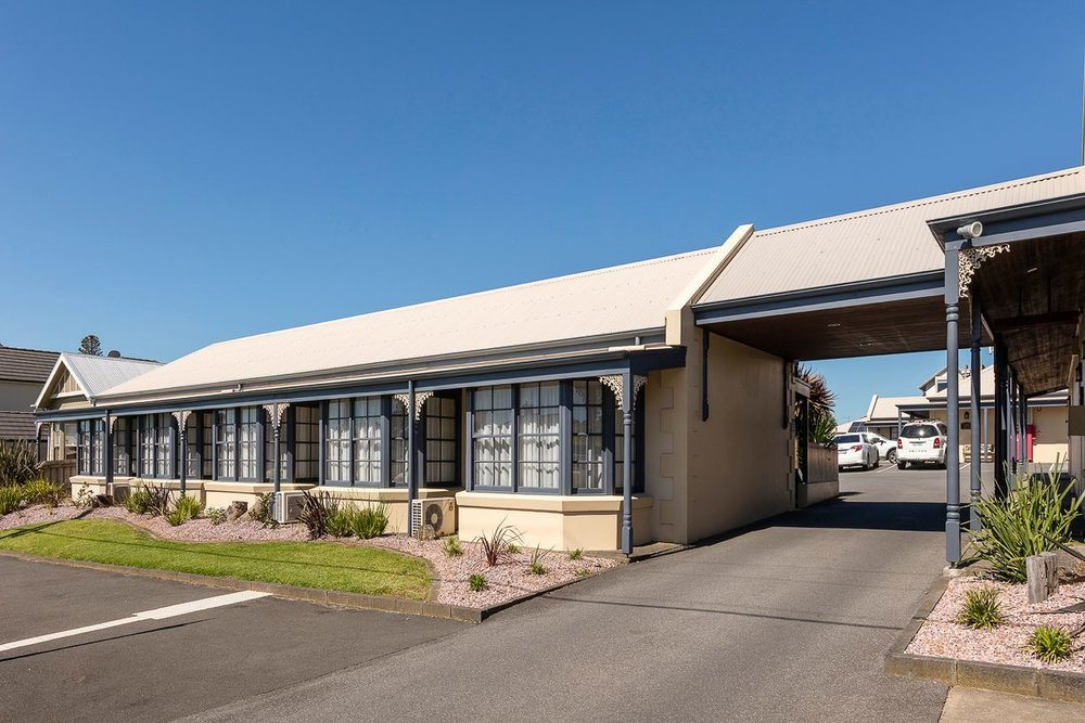 best-western-olde-maritime-warrnambool-hotel-motel-accommodation-exterior.jpg