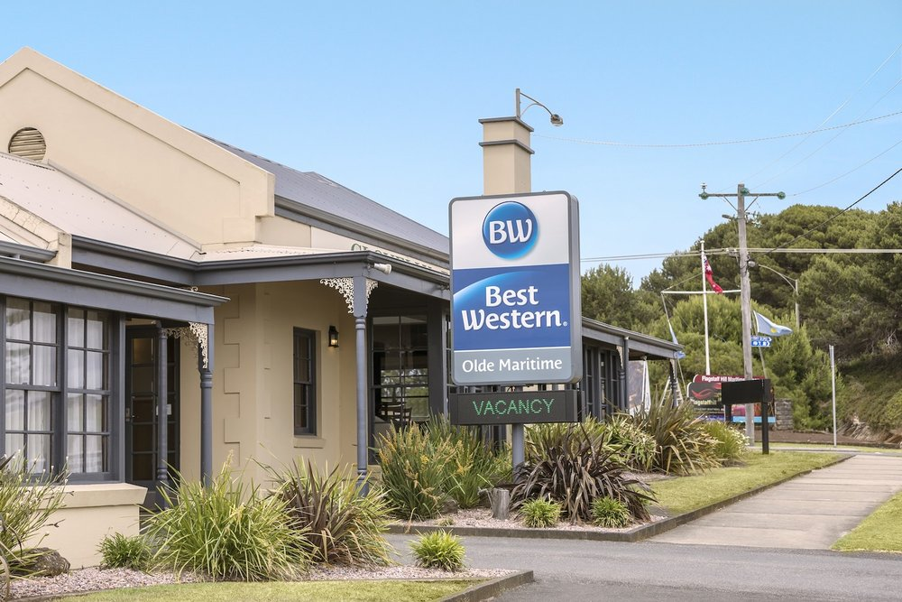 best-western-olde-maritime-warrnambool-hotel-accommodation-signage-day