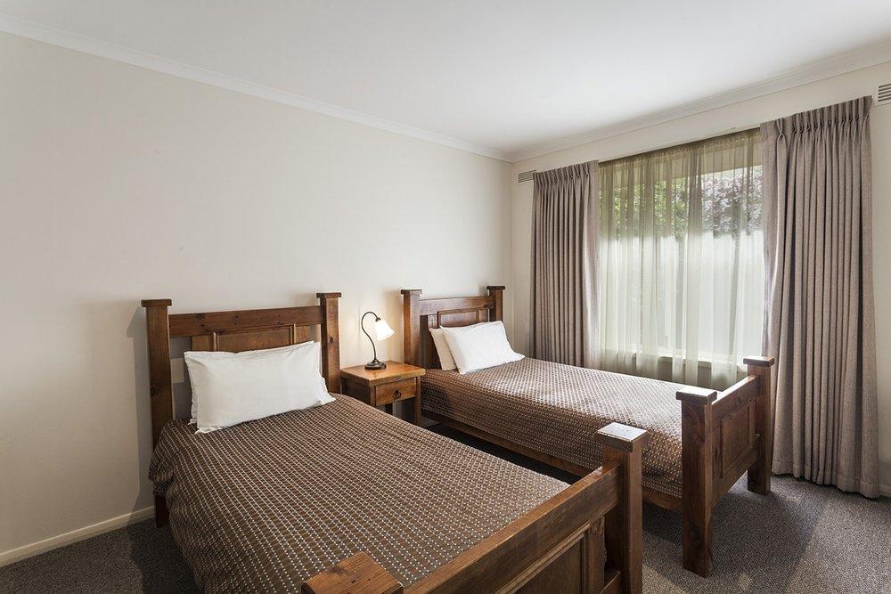 best-western-olde-maritime-warrnambool-hotel-accommodation-2-bedroom-apartment-4.jpg