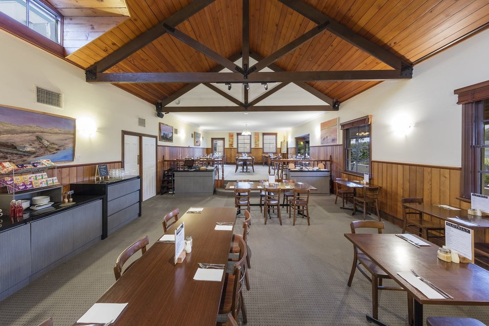 best-western-olde-maritime-warrnambool-hotel-accommodation-clovelly-restaurant-1.jpg