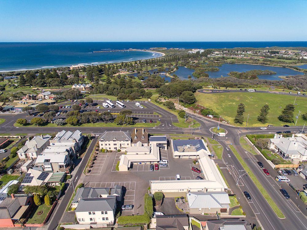 best-western-olde-maritime-warrnambool-motel-hotel-accommodation-aerial-view.jpg