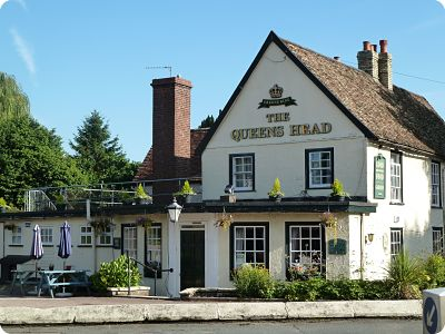 The Queen's Head pub   https://www.thequeensheadharston.co.uk/