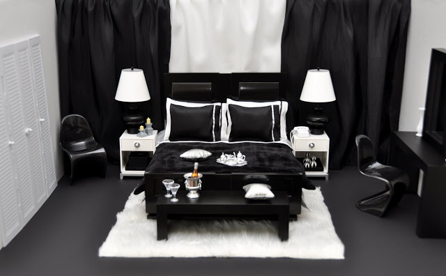 The Bed And Bedding Are From The Fashion Royalty Loft Collection Furniture.  This Line Of Furniture Was A Hit With Collectors And Most Items Are Very  Sought ...