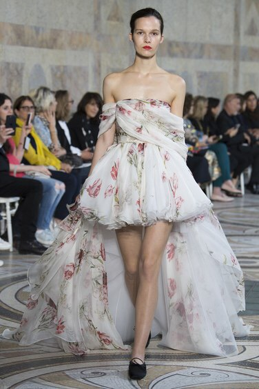 Giambattista Valli Couture Autumn/Winter 2017. Photo: Yiannis Vlamos/indigital.tv