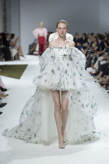 Giambattista Valli Couture Autumn/Winter 2016. Photo: Yiannis Vlamos/indigital.tv