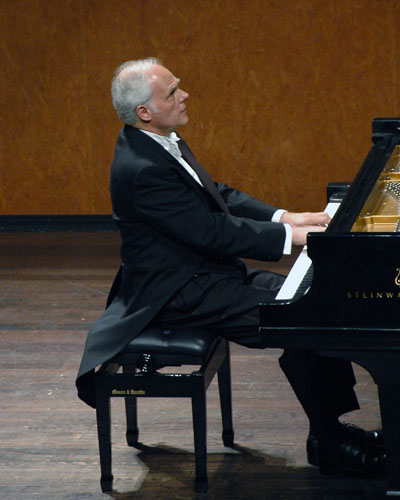 John Owings performs on the PianoTexas Distinguished Artist Series. June, 2007