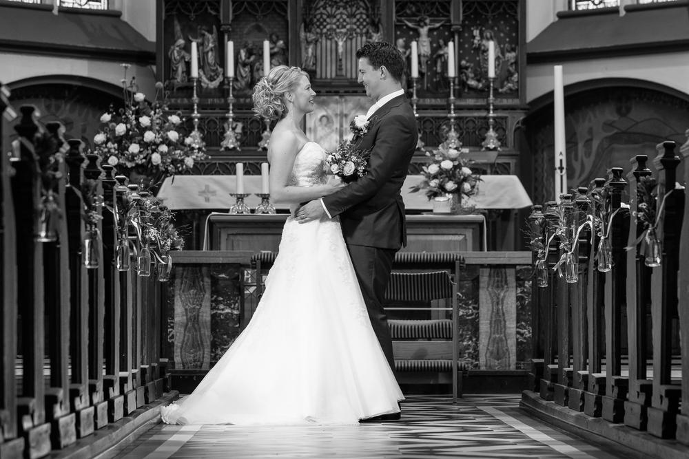Bruidsfotografie in de kerk