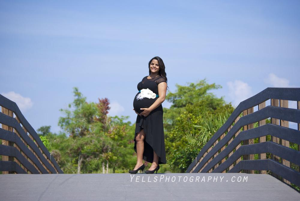 Maternity-Photographer-Fort-Myers.jpg