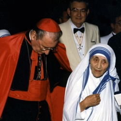 Cardinal O'Connor with Mother Teresa     http://www.kofc.org/un/en/prolife/prayerforlife/cardinal.html