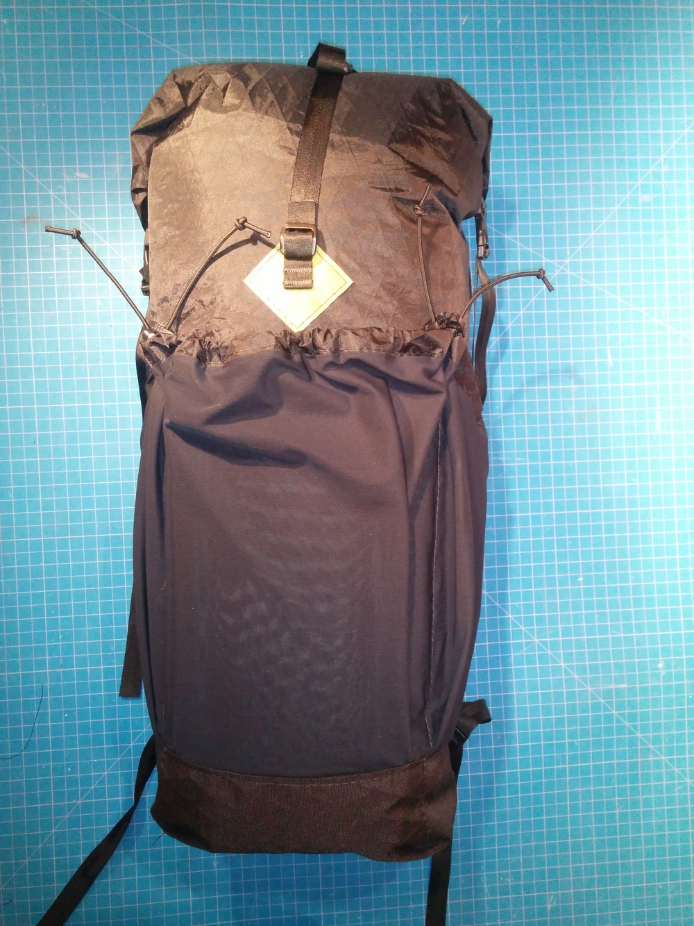 Lowline w/ Adjustable Stretch-mesh Front and Side Pockets