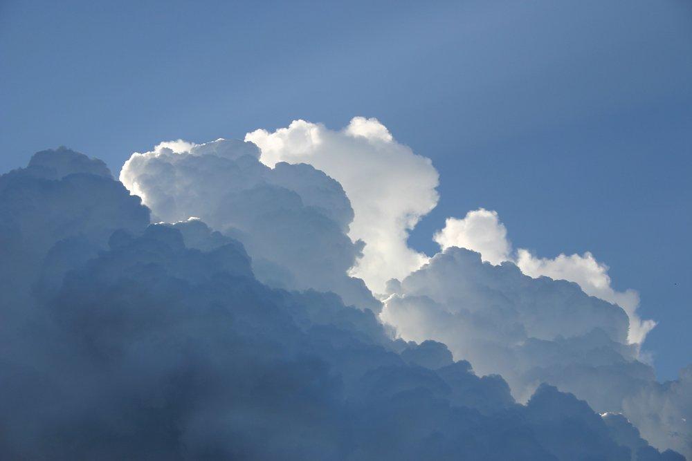 sky-414198_1920.jpg