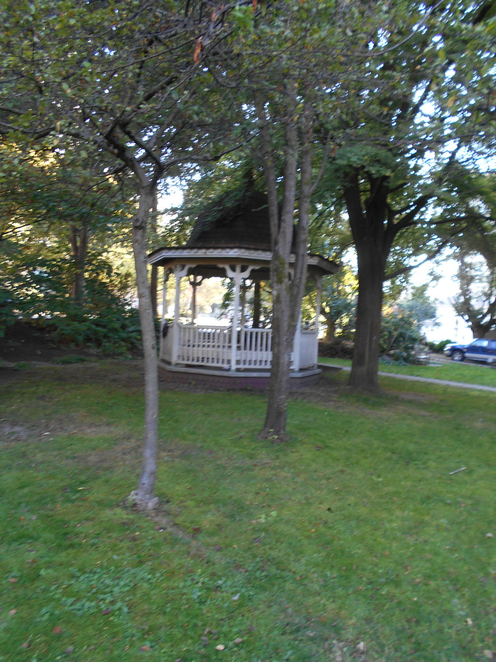 The gazebo at Roedde House Museum.