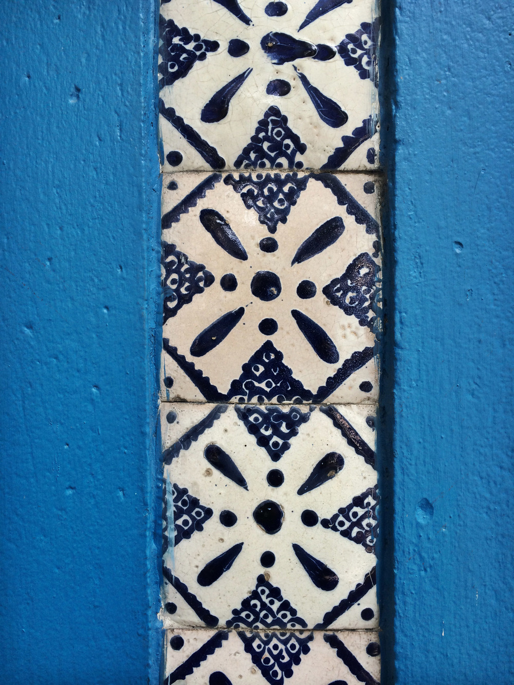 Blue tile from a building in Roma Norte