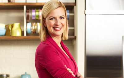 FRESH WITH ANNA OLSON Anna Olson creates delicious recipes and invites viewers to spend time in the comfort of her country home kitchen and learn more of her personal recipes, food insights, and valuable cooking tips.