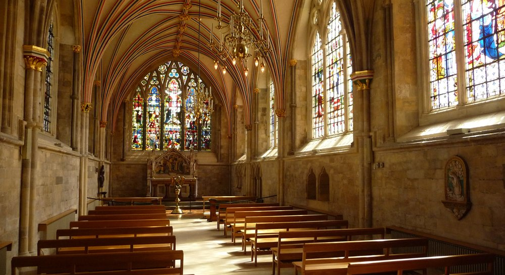 Lady_chapel,_Chichester_Cathedral.jpg